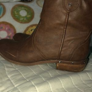 Ankle booties
